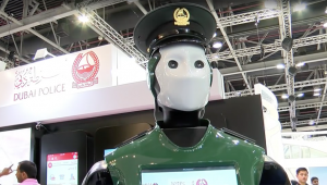 De échte Robocop werkt in Dubai