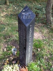 Monumentje voor Nicky Verstappen