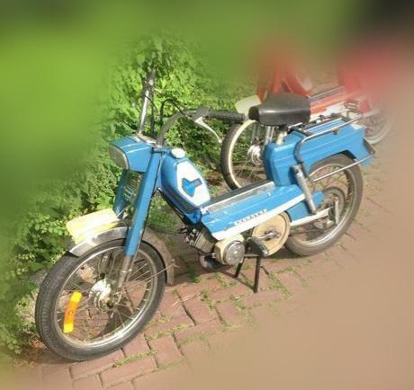 Een blauwe Peugeot 104 zoals Marjo die gebruikte op de avond dat ze verdween